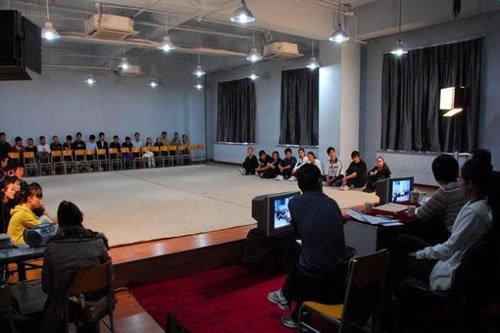 中国传媒大学学生谈播音主持考试经验